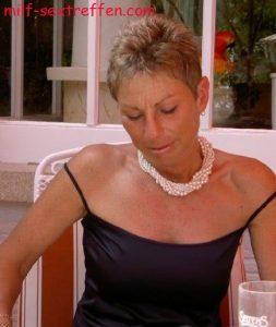 Sexy Hausfrau sucht Fickbeziehung